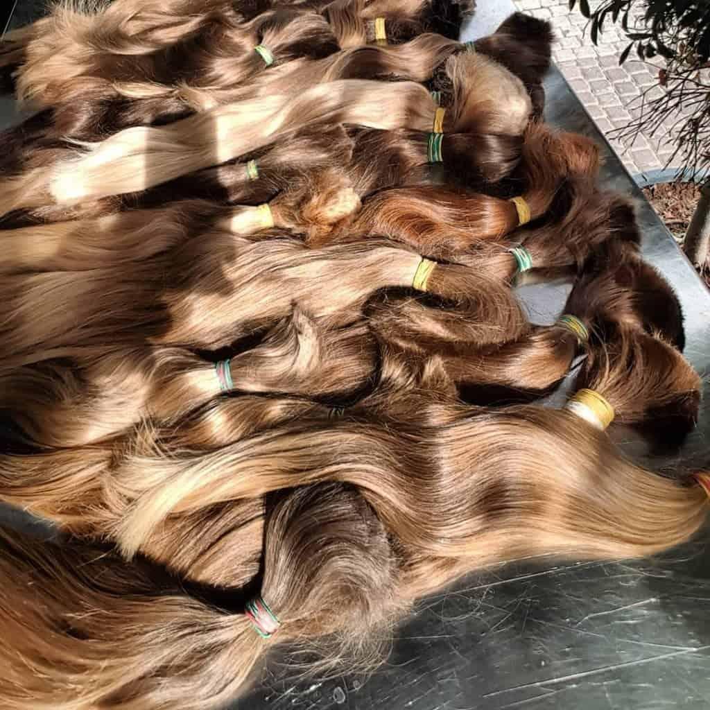 תוספות שיער בקוקו מחזיקות לאורך זמן